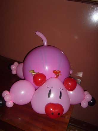 Свинья из шариков - прикол на 1 апреля