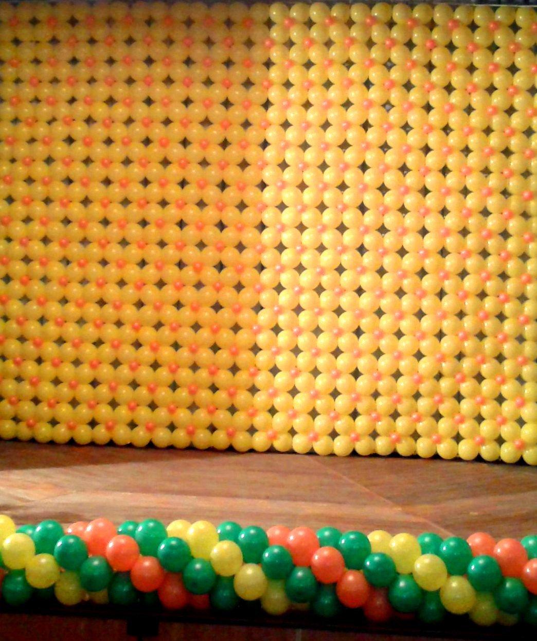 Украшение детского праздника шариками - панно и гирлянда из шаров