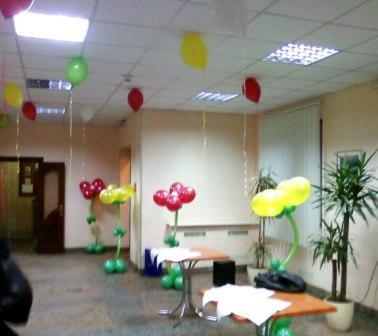 Украшение воздушными шариками на 8 Марта