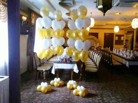 Букеты шаров в свадебный зал