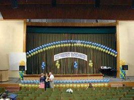 Оформление зала воздушными шарами на Выпускной вечер
