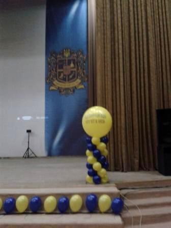 ОФормление зала на выпускной вечер шарами
