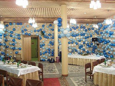 Необычное украшение корпоративного праздника шариками