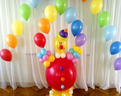 Клоун и арка из воздушных шаров на выпускной в детском саду