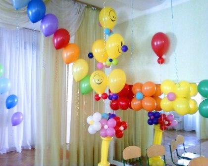 Букет клоунов из шариков на выпускной в детском саду