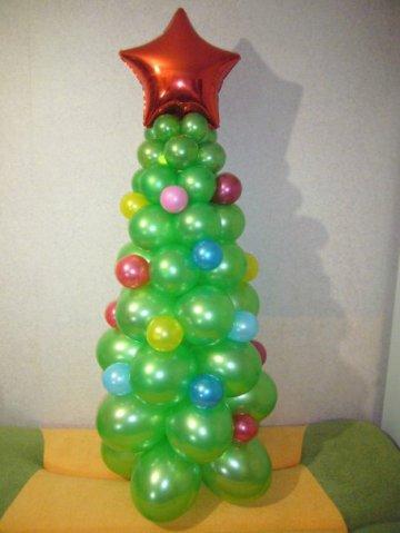 Елочка из шариков - сюрприз к Новому году